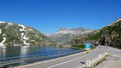 14 Lac suisse. LAC GRIMSELLPASS