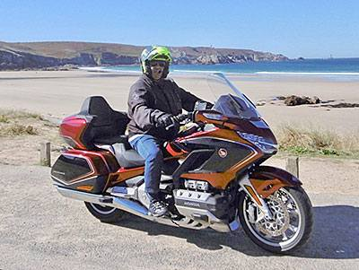 BMW K1600 GTL VS HONDA Goldwing Tour 1800 DCT - Comparatif